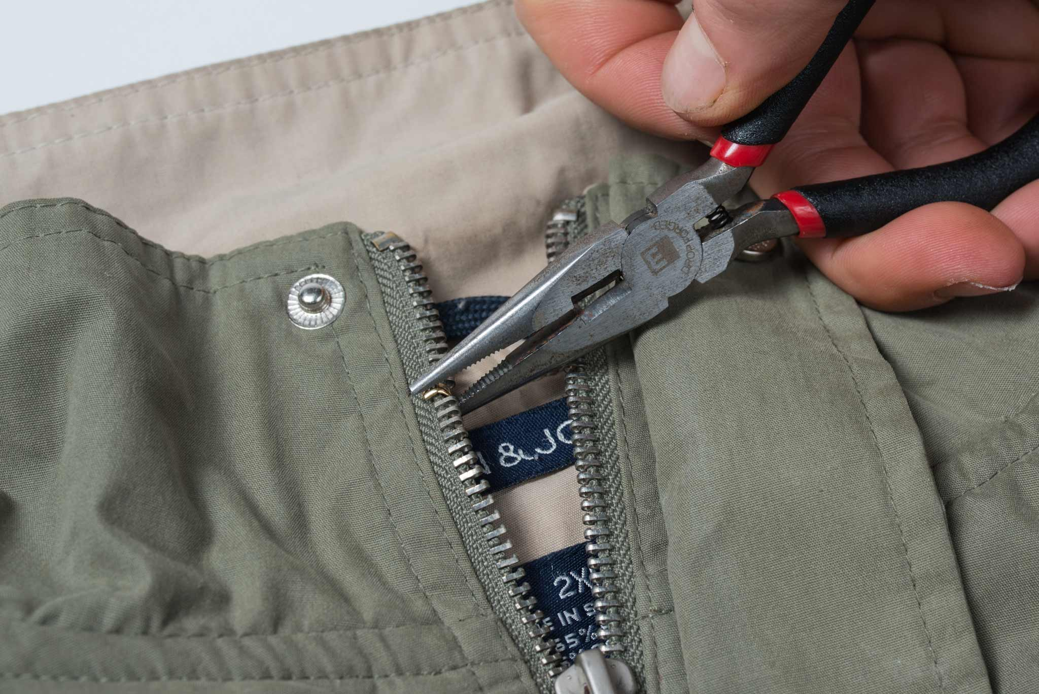 How to fix broken zipper teeth